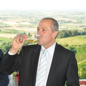 Consorzio vini di Romagna Giordano Zinzani ancora presidente