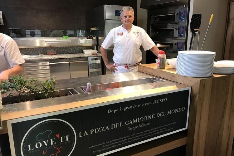 Giorgio Sabbatini, il pizzaiolo numero 1 «La mia pizza punta all'eccellenza»
