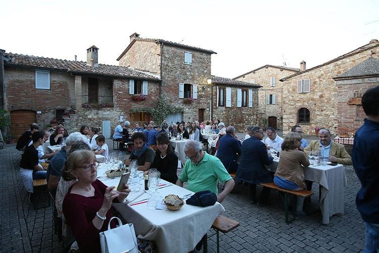 Girogustando in Terre di SienaL'Italia s'incontra in cucina