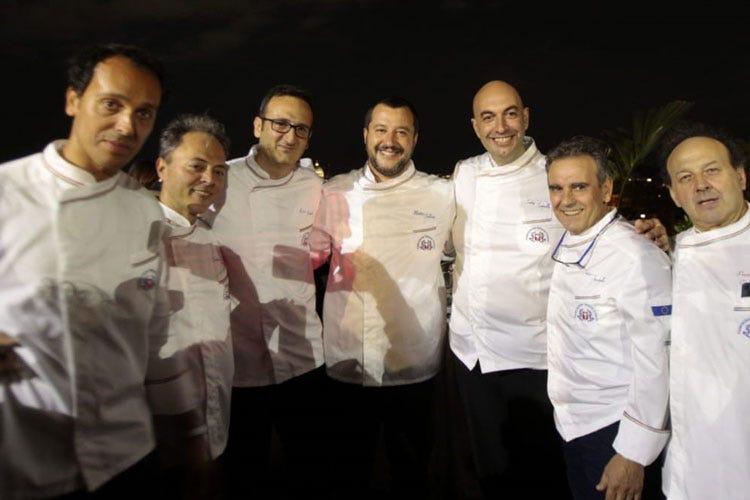 Gourmet Dinner Show Fic Anche Matteo Salvini al buffet di Roma - Italia a Tavola