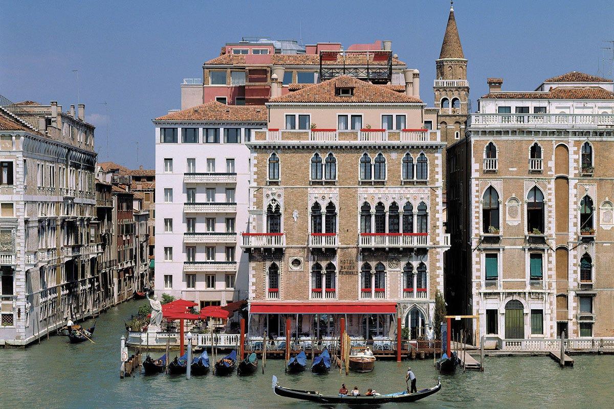 L'hotel è simbolo dell'ospitalità veneziana A Venezia come un James Bond gourmet