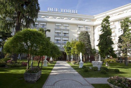 All 39 hotel terme due torri l 39 eleganza sposa il benessere for Resort termali in cabina