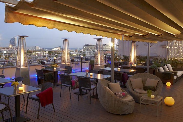Tapas con vista mare a barcellona in terrazza all hotel - Hotel duques de cardona ...