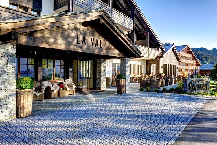 Evasione, sport e comfort a 4 stelle all'Hotel La Val in Svizzera