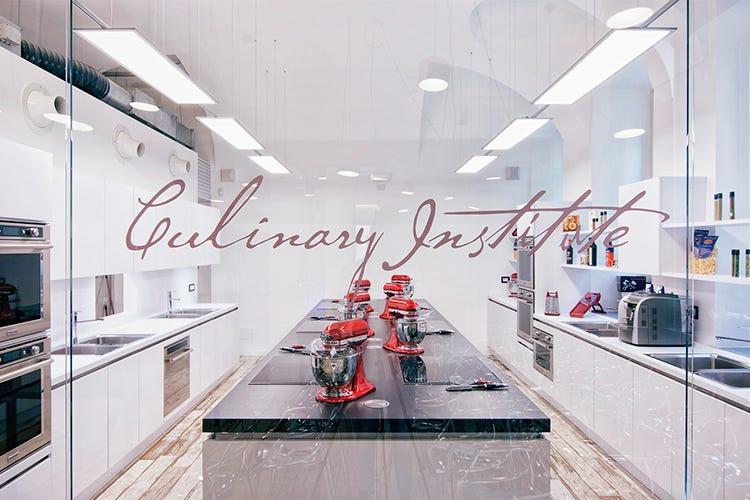 si tratta di una scuola dedicata al mondo degli amatori e degli appassionati gourmet dove la professionalit la passione e la competenza che da sempre