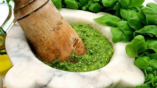 Il Pesto di Pra', tra storia e tradizione In tavola l'oro verde più pregiato