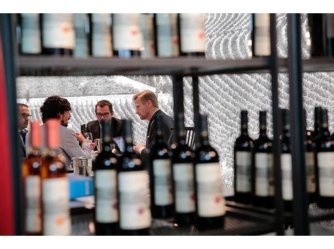 Il vino italiano punta all'Asia La missione parte da Vinitaly
