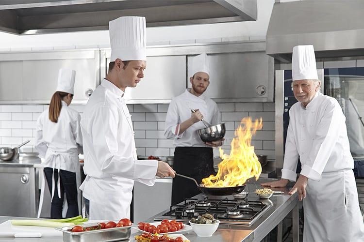 Impianti di aspirazione sempre puliti per evitare gli incendi al ristorante