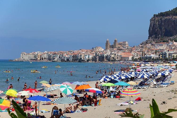 Primo esodo estivo, più turistima il giro d'affari è in calo del 9,5%