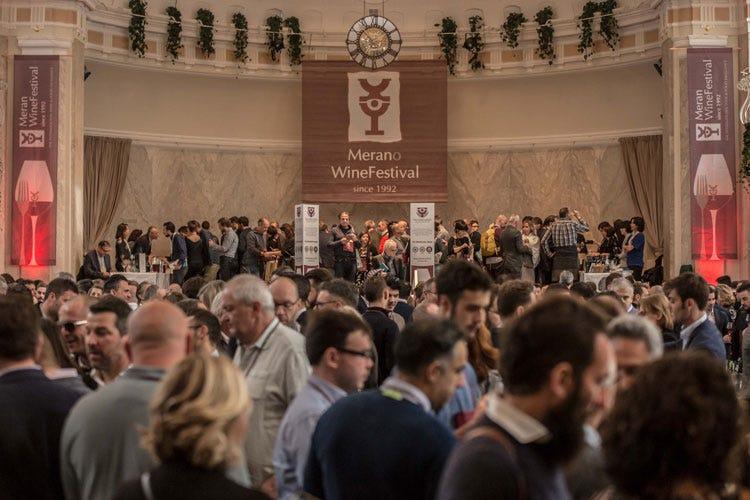 (L'Italia deve sfruttare le sue eccellenze Cibo, vino e ospitalità i punti di forza)
