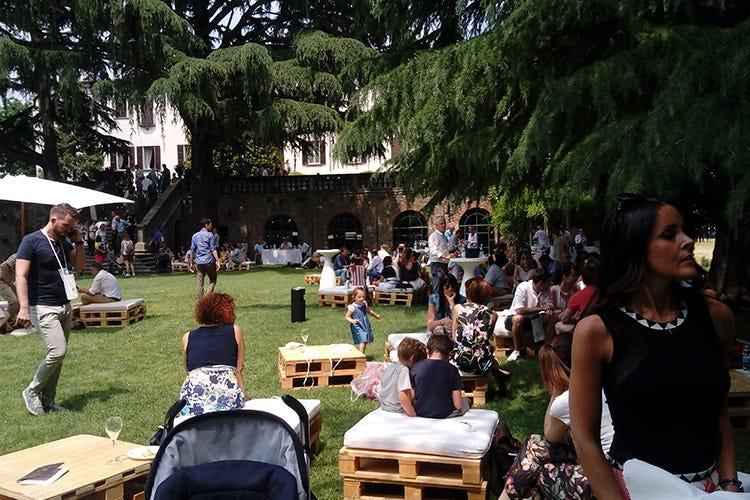 (Italia in Rosa e Franciacorta Festival Sempre di più i giovani wine lovers)