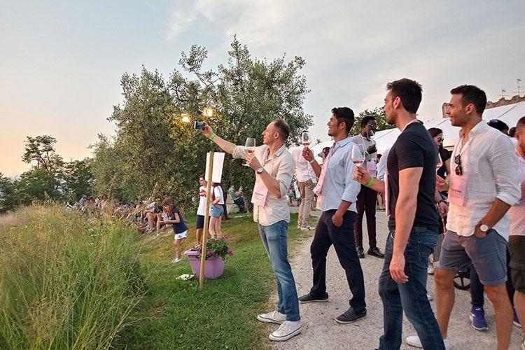 """""""Italia in Rosa"""" fa centro Il rosé conquista i giovani"""