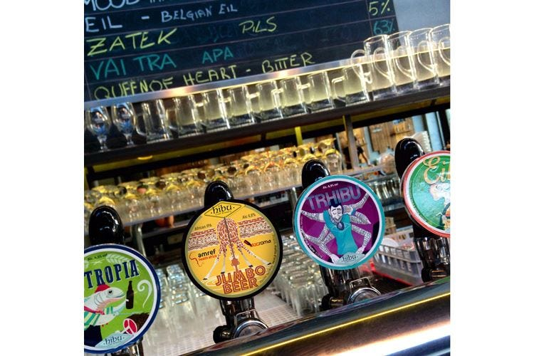 Jumbo Beer per portare l'acqua in Africa La birra di Hibu a sostegno di Amref