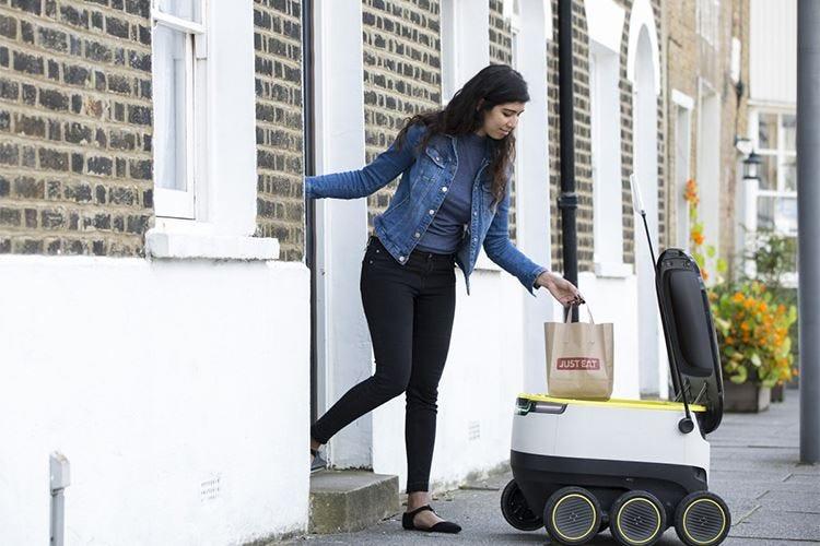 £$Just Eat$£, nuova frontiera del takeawayA consegnare l'ordinazione è un robot