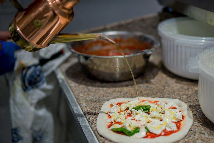 La qualit di pizz 39 art di ciro d 39 avanzo completa il for Progress caserta orari
