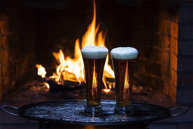 Le birre di Natale scaldano l'inverno Tra note speziate e colori intensi