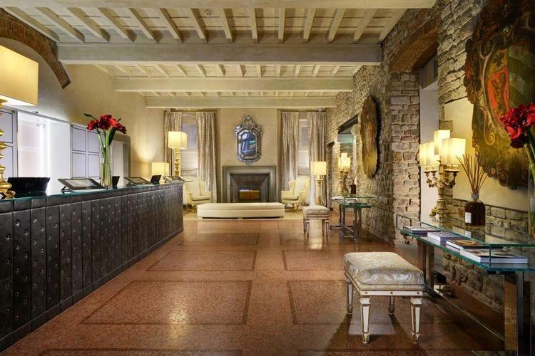 Luxury Travel Advisor Awards 2016 In corsa l'Hotel Brunelleschi di Firenze