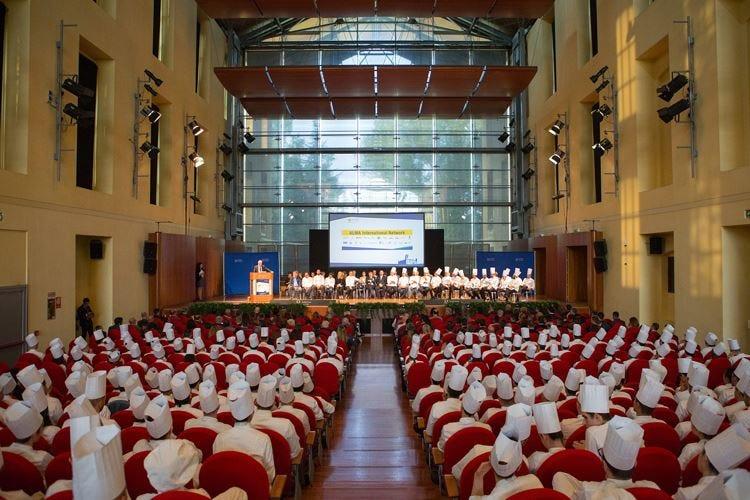 Alma punta ad una Scuola dell'Ospitalità Agli studenti proposti percorsi all'estero