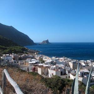 Marettimo, paese-albergo tra mare e natura