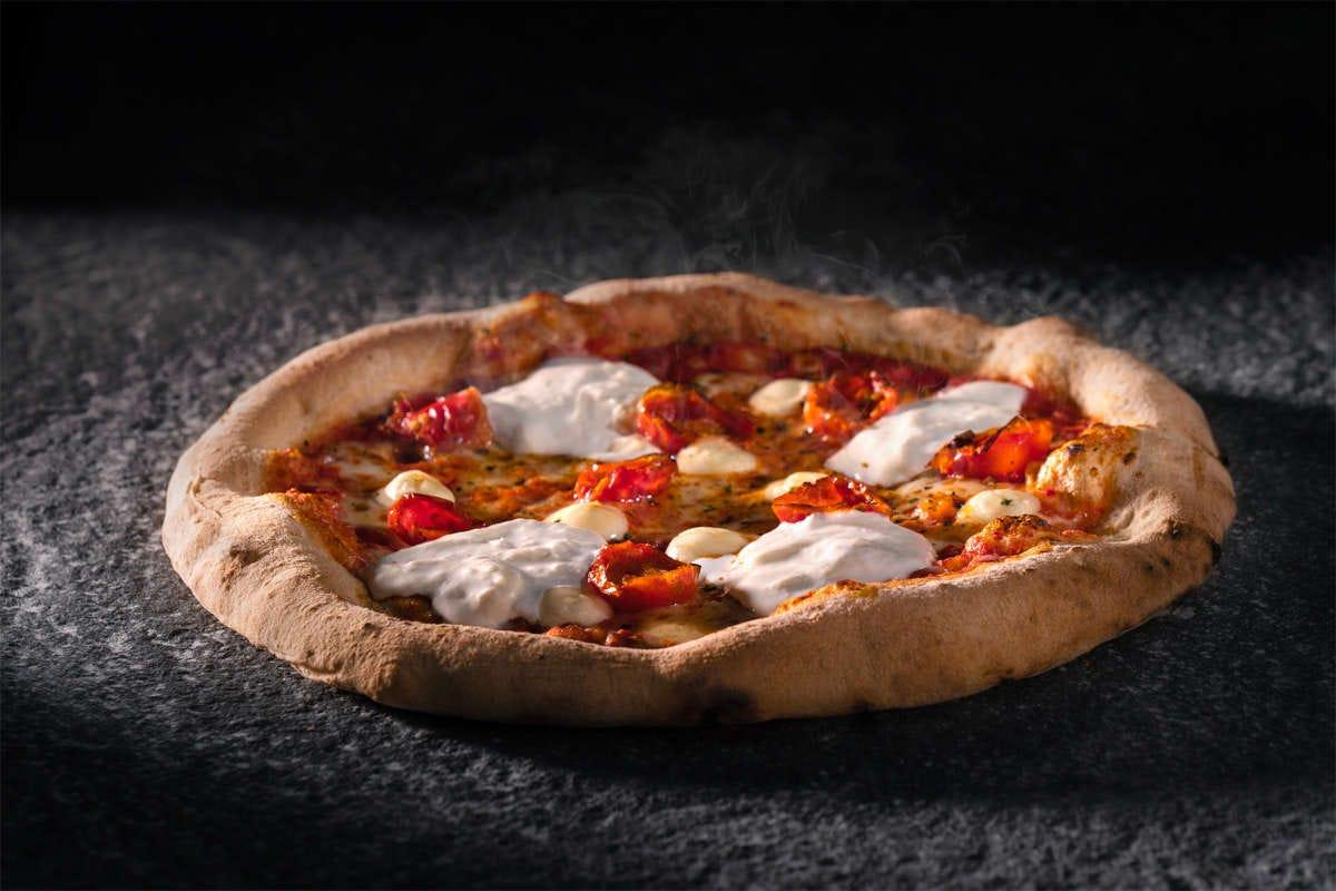 Re Pomodoro a casa come in pizzeria: pizze e snack fatti a mano
