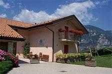 Maso Grener, una finestra sulla Valle dell'Adige circondata da vigneti