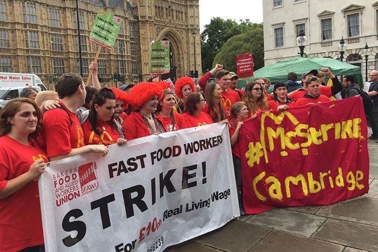 McDonald's, sciopero dei dipendenti Le prime proteste anche a Roma e Milano