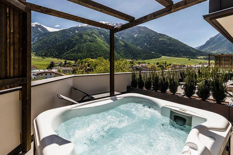 Mein Matillhof amplia l'offerta 7 suite con vista sulla Val Venosta