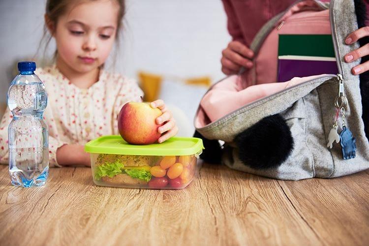 Merendine e tasse a scuola, bastone o carota?