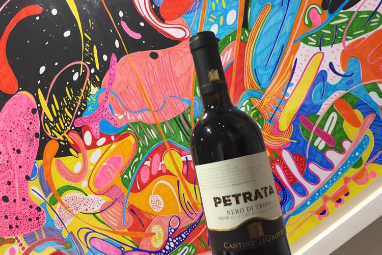 Milano Gallery Night Festa all'insegna di arte e vini di Puglia