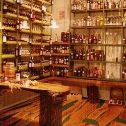 A Monopoli c'è la boutique del vino Da tre generazioni è l'Enoteca Il Tralcio