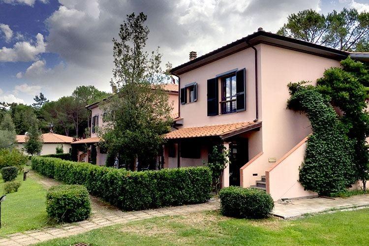 Montebelli Agriturismo e Country Hotel Coccole e trattamenti nella verde Toscana