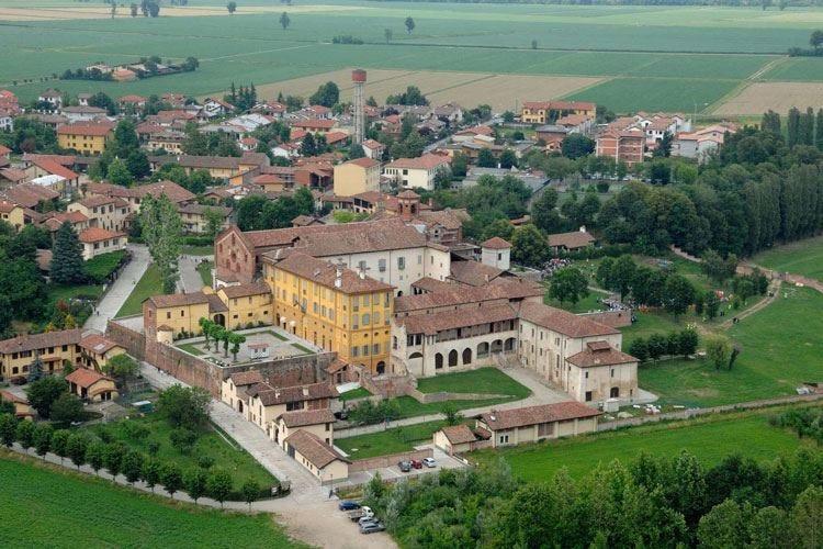 Morimondo, una serata dedicata al riso Visita all'abbazia e cena veg di Leemann