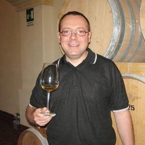 Murgia vini e delizie in centro Firenze offre in assaggio 4 vini rossi e bianchi