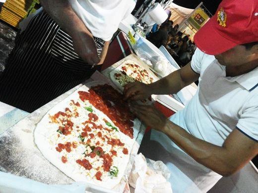 A Napoli Pizza Village 50 pizzaioli uniti dalla stessa grande passione