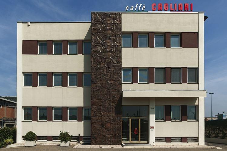 Notte d'aroma il 15 maggio per i 110 anni di Caffè Cagliari