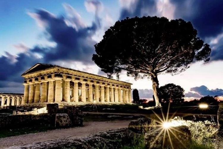 Paestum, le stelle della cucina tra i templi Cena d'autore per finanziare gli scavi
