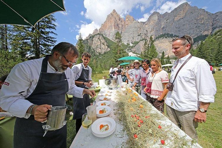 Parco Naturale Fanes-Senes-Braies Torna il picnic de La Dolomitica