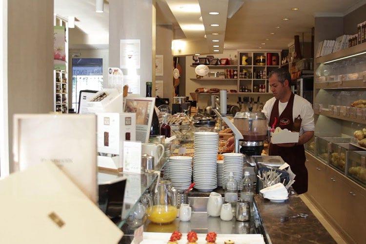 All'interno del pastificio - Panificio Zucchi, a Brescia dal 1955 Per diventare panettieri, si studia