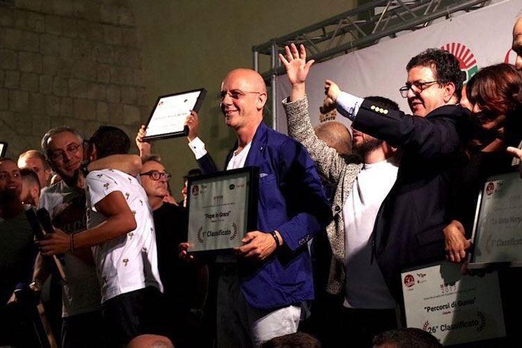 Pepe in Grani miglior pizzeria d'Italia La incorona la guida 50 Top Pizza