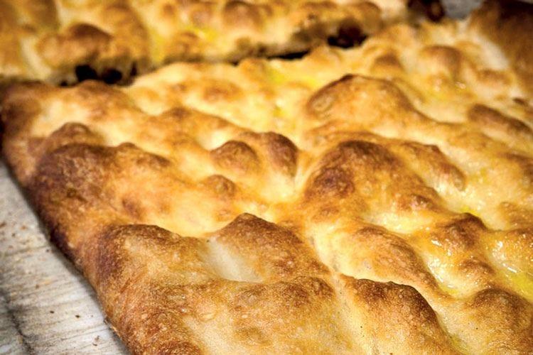 Pizza bianca romana alla pala del fornaio Nasce un comitato di tutela