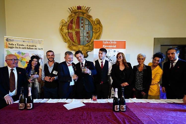 (Il Premio IaT celebra il Negroni A Lorenzo Bellieri il premio del concorso)