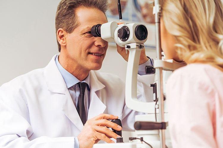 Prendersi cura dei propri occhi Visite periodiche e una dieta sana