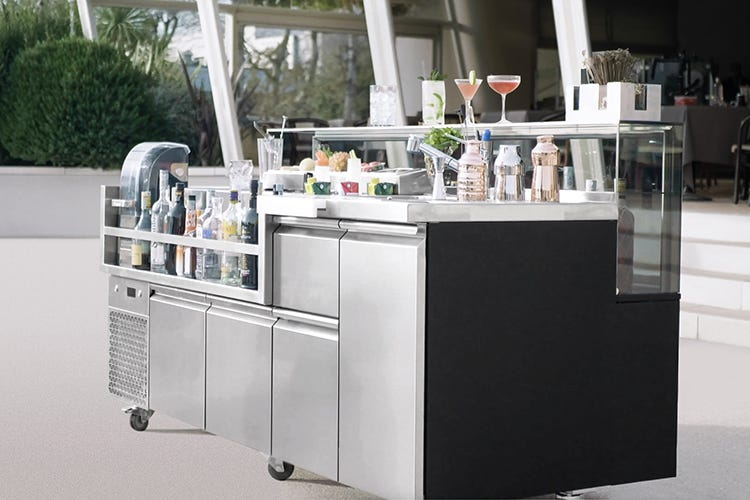 Prisma Cocktail Station, performance in movimento
