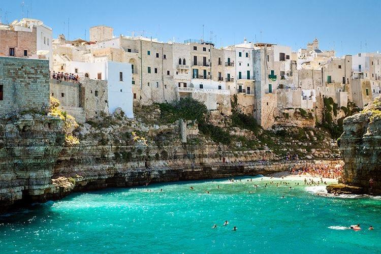 Puglia, continua il magic moment Cresce del 15% la reputazione web