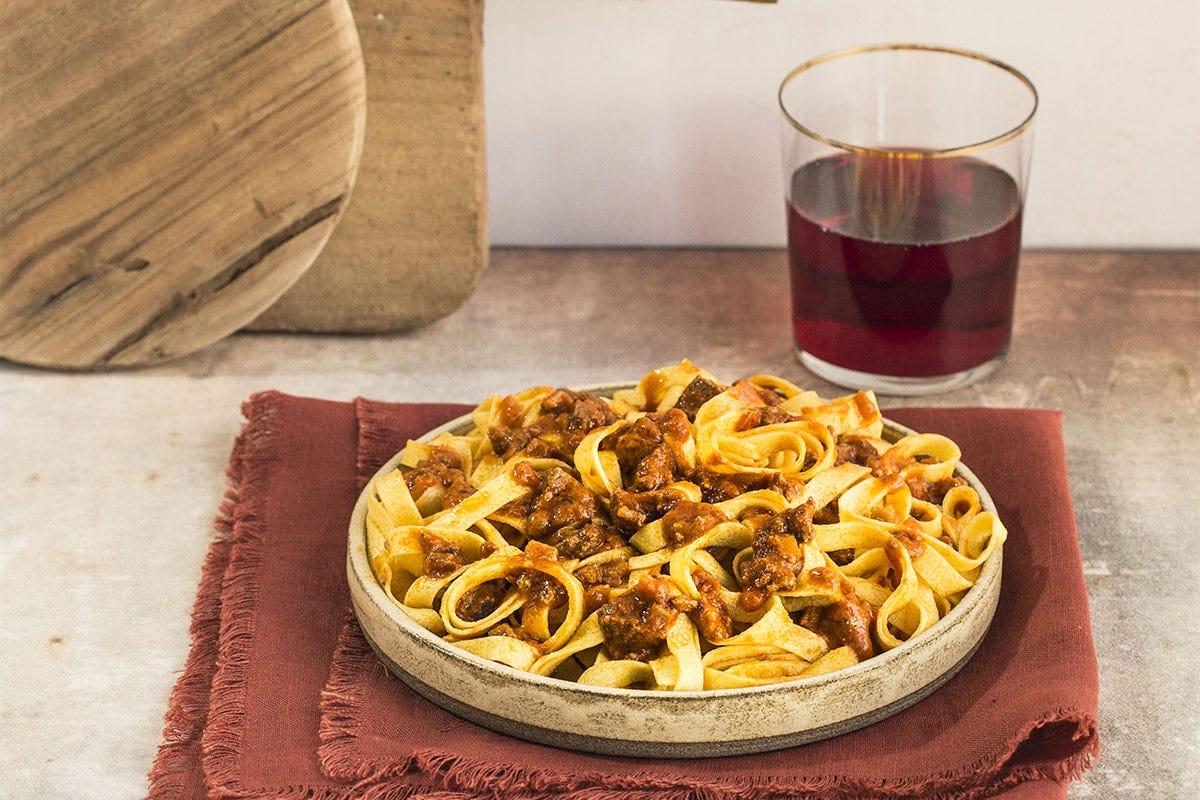 Tagliatelle alla Bolognese con il ragù 100% vegetale BologNew!, ragù fresco vegetariano Da Rana una ricetta originale