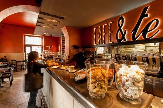 "Mok, location ""camaleontica"" a RomaCaffetteria, gelateria, wine bar e ristorante"