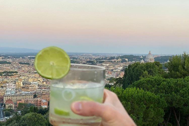 Terrazze e colonnati per gustare un'Italia d'atmosfera e di sostanza
