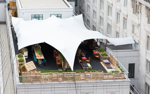 Idee Per Interni Bar : Bancone per bar in legno fadini mobili cerea verona