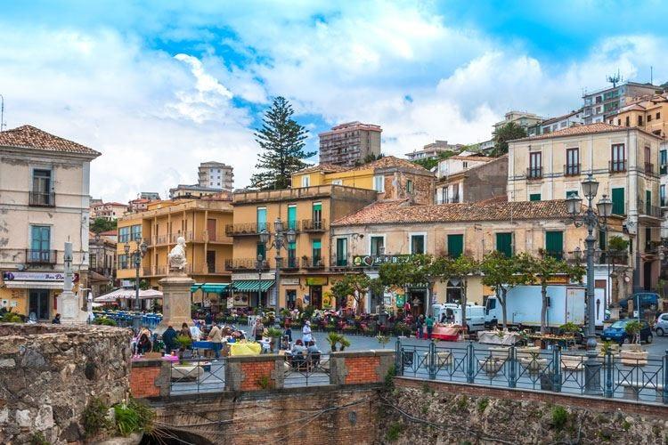 Rosso Calabria Eccellenze regionali in piazza