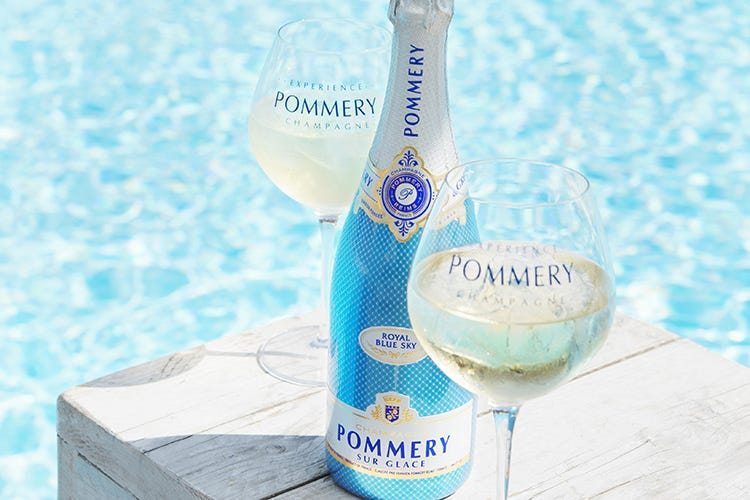 (Royal Blue Sky Pommery Champagne... on the rocks)